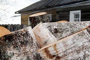 How to Get Your Firewood Ready for Fall in Parkville